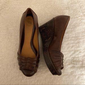 "NWOB Brown Leather Nurture ""Carmen""Open Toe Wedges"